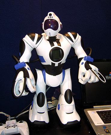 两个历史上最受欢迎机器人的是儿童时代的天行者卢克