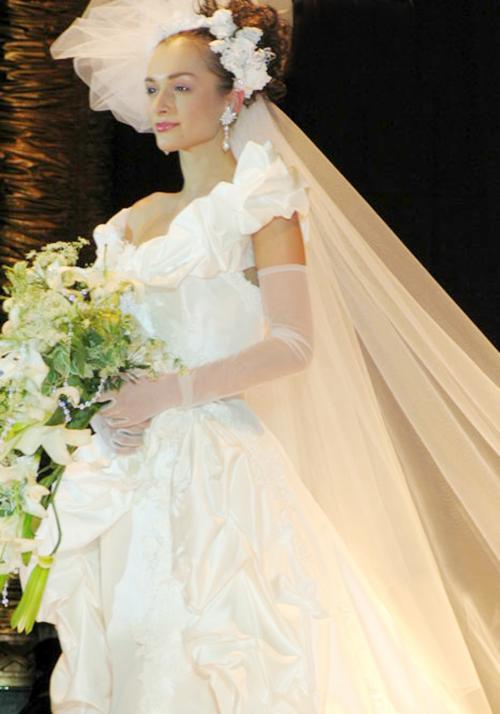日本著名设计师世界婚纱女王桂由美访华20周年发布会