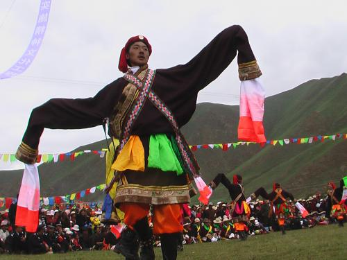 藏族自治州,甘肃的甘南藏族自治州和天祝藏族自治县,四川阿坝藏族羌族